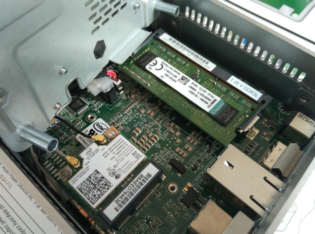 Mini počítač Intel NUC